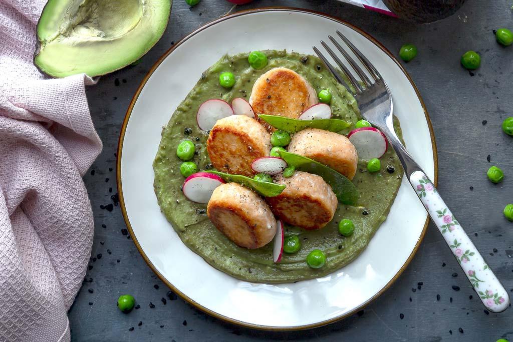 Crocchette di pesce con dip di avocado