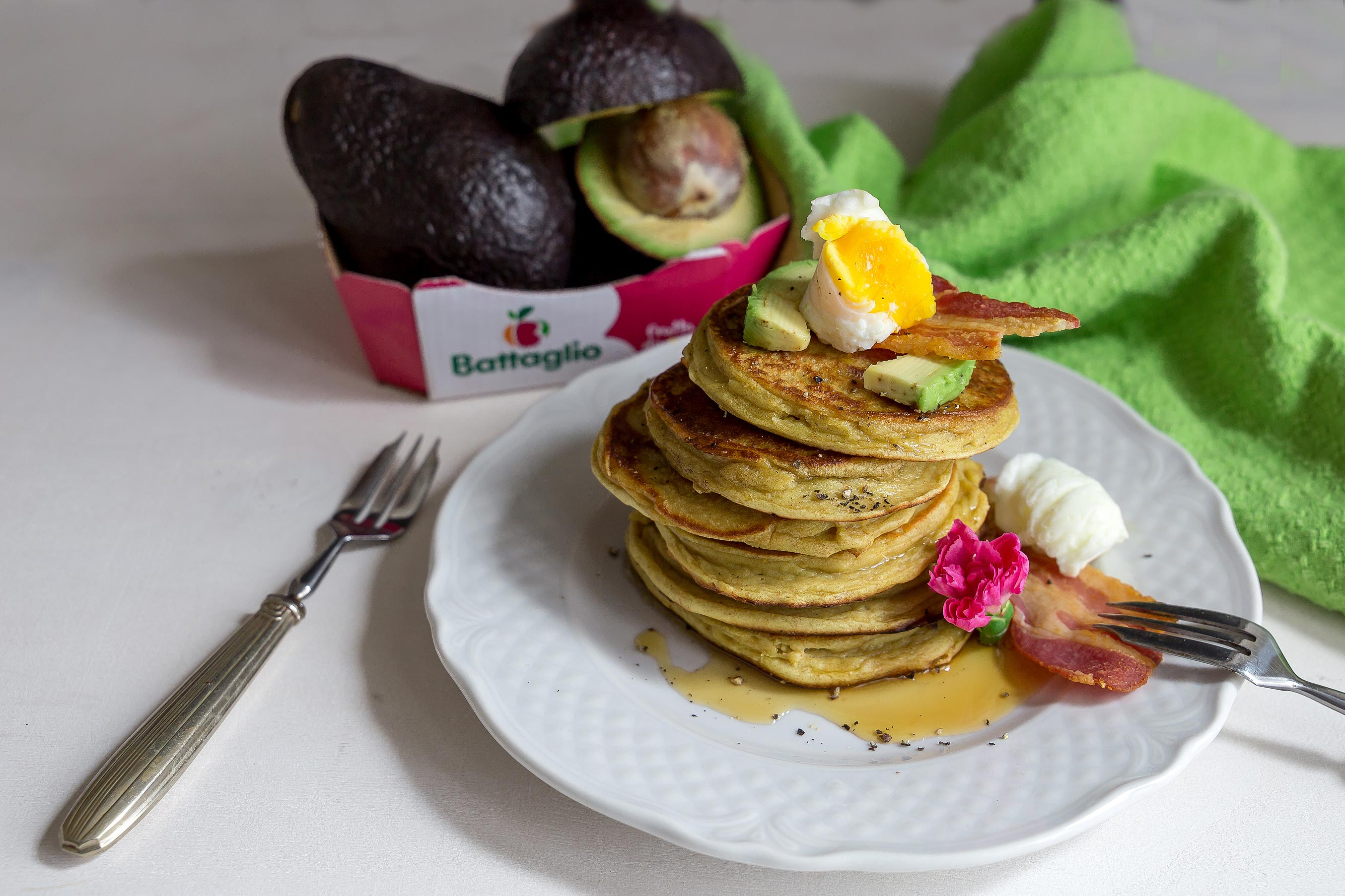 Pancake salati all'avocado