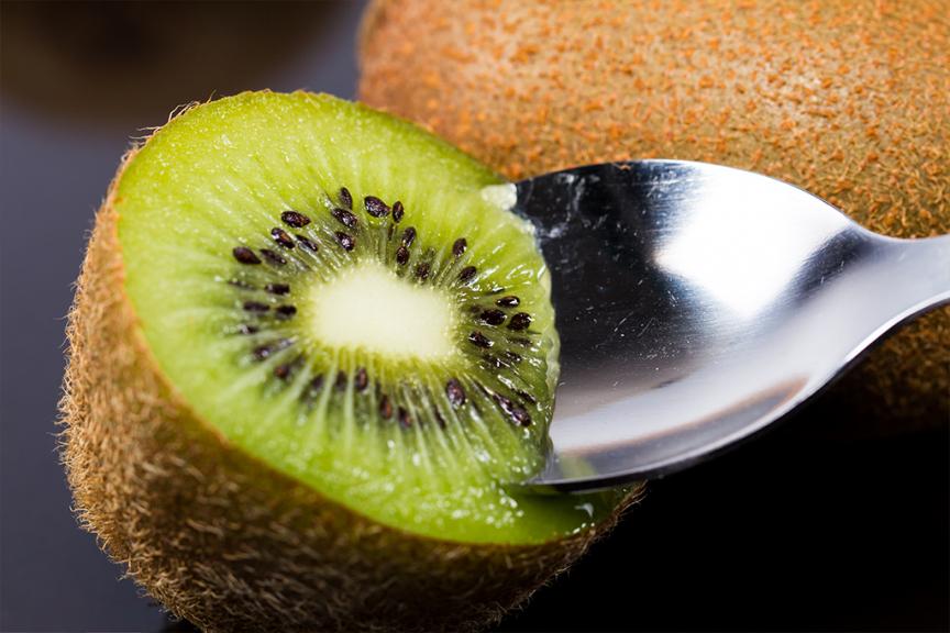 kiwi cucchiaio proprietà